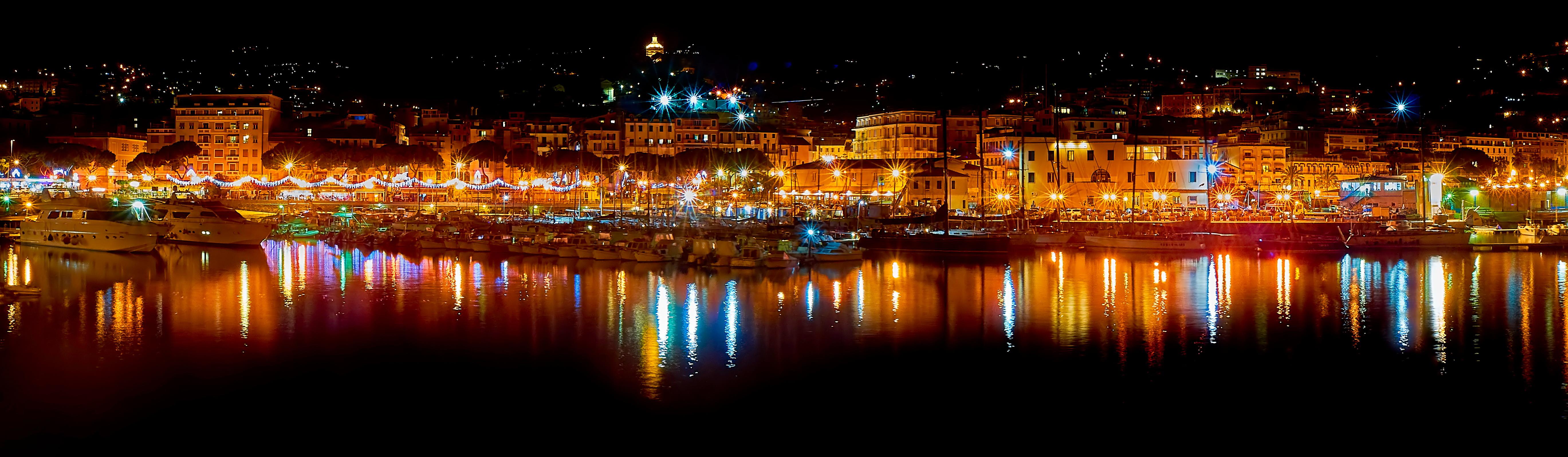 Sanremo porto di notte